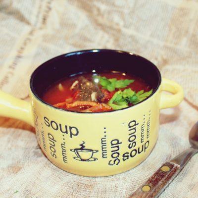 Supă de roșii cu ciuperci uscate