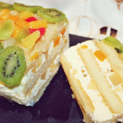 Tort rapid cu fructe