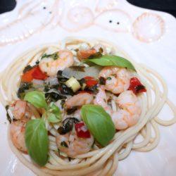 Spaghete cu creveți aromatizați
