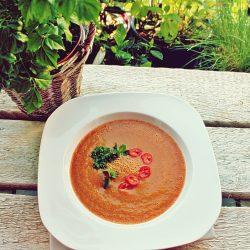 Supă cremă din roșii, ardei kapia copt și quinoa