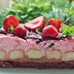 Prăjitură cu zmeura și ciocolată