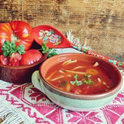 Ciorbă de roșii cu tăiței de casă